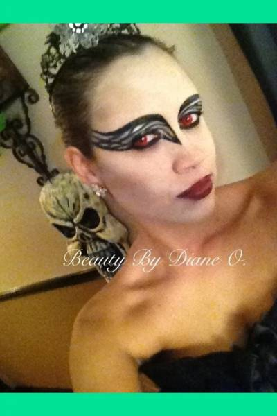 black-swan-themes-halloween-makeup