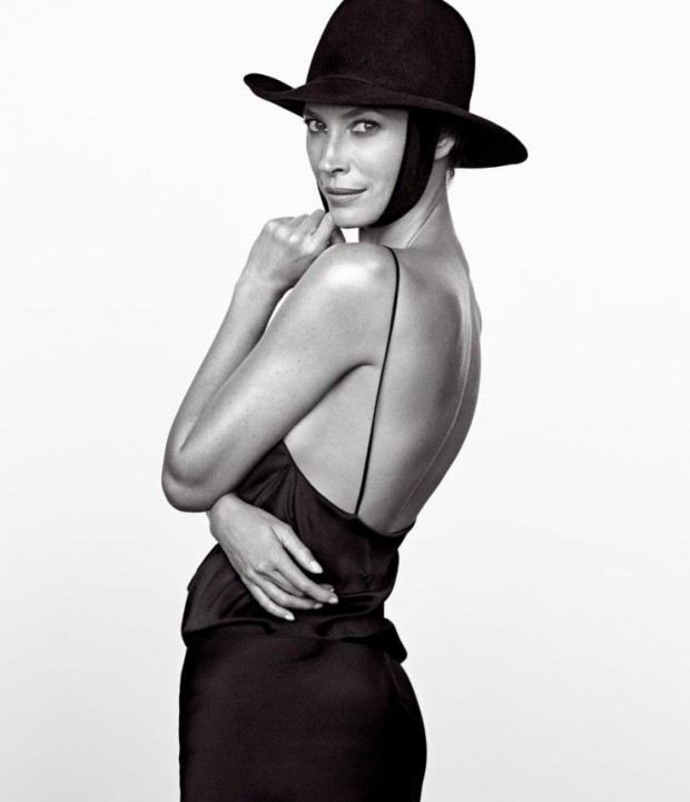 christy-turlington-by-mikael-jansson-for-wsj-magazine-march-2016-2-620x721