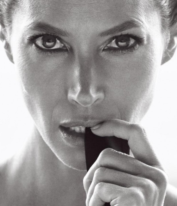christy-turlington-by-mikael-jansson-for-wsj-magazine-march-2016-9-620x721