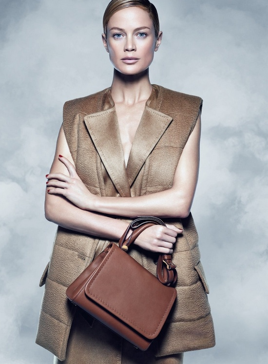 maxmara-fall-2014-campaign-carolyn-murphy-photos2