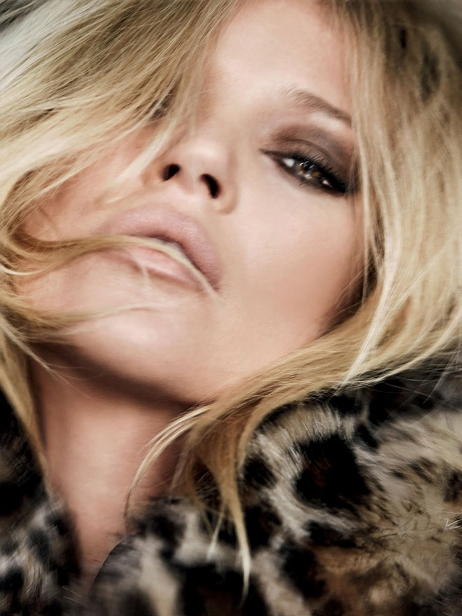 Kate-Moss British-Vogue-December-2014-12