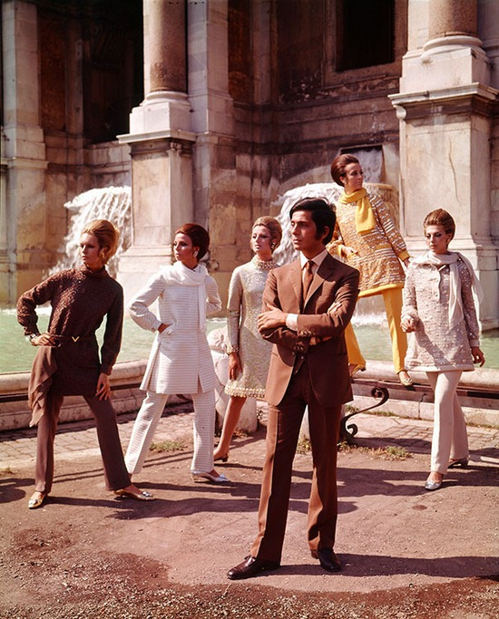 Valentino-with-models-1967 610px