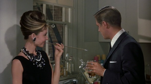 Audrey-Hepburns-style-in-Breakfast-at-Tiffanys-12-e1377583306605