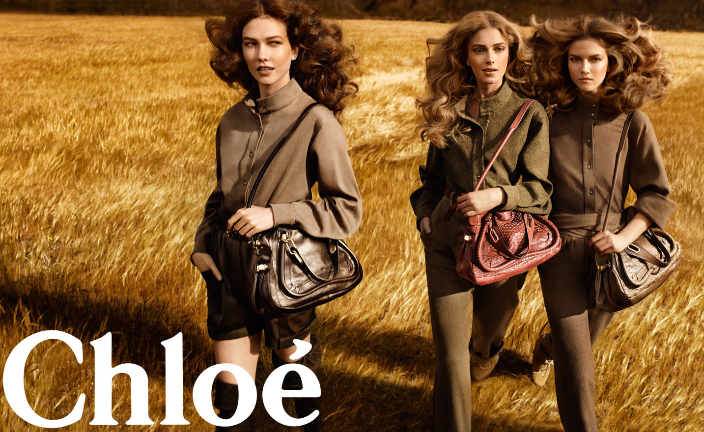 chloe-ad download01