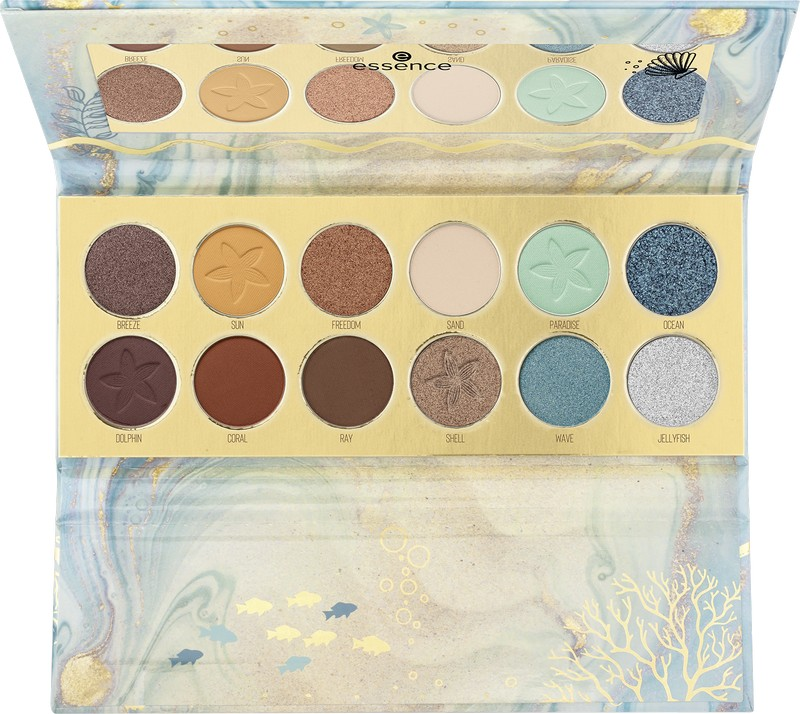 4059729281494 essence Make A Wish Little Fish Eyeshadow Palette Image Front View Full Open png