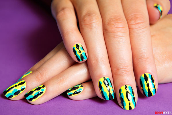 beauty-nails-2013-12-jungle-fall-nail-01