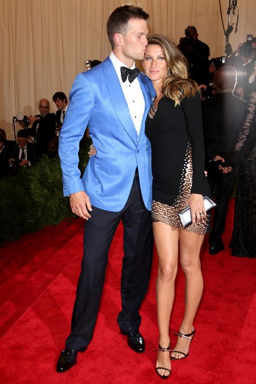 tom-brady-gisele-bundchen-vogue-18nov13-rex 592x888